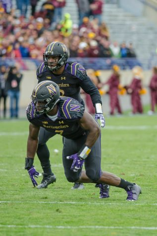 Football: Defensive line adjusts to life without Dean Lowry, Deonte Gibson