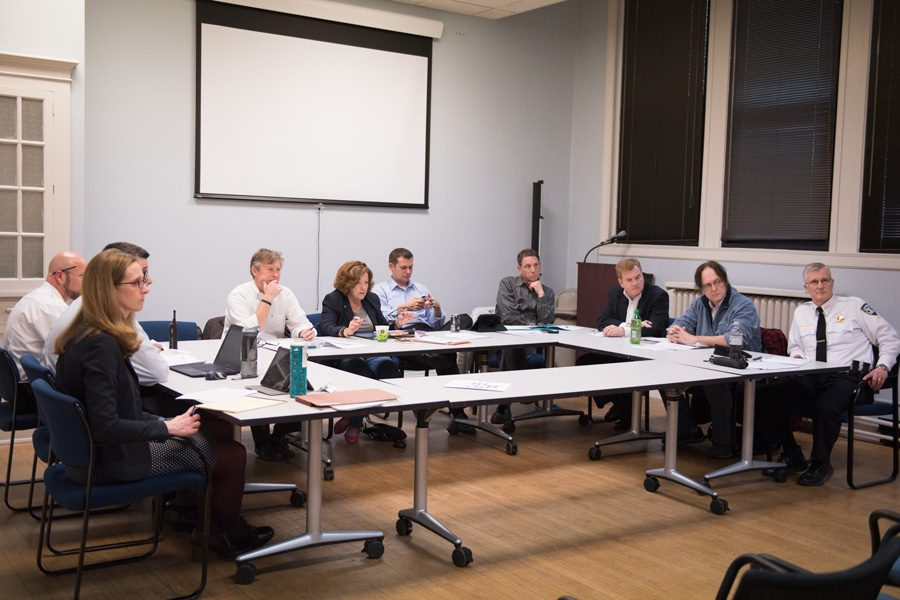 Members+of+the+Nuisance+Integrity+Ordinance+subcommittee+discuss+possible+changes+to+the+ordinance+Wednesday+night.+Landowners+at+the+meeting+brought+up+concerns+over+the+punishment+process+in+the+proposed+ordinance.+
