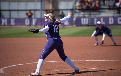 Softball: Northwestern sweeps Iowa aside in dominant series