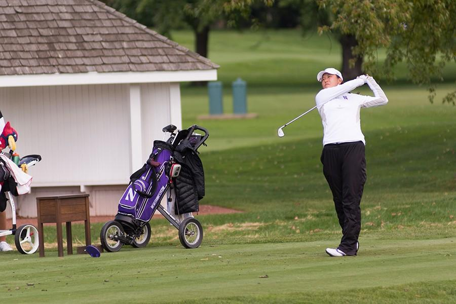 Hannah+Kim+tees+off.+The+sophomore+finished+highest+amongst+the+Wildcats+this+weekend+with+a+four-over+par.+