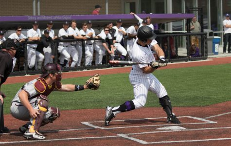 Baseball: Northwestern squanders leads in another series sweep