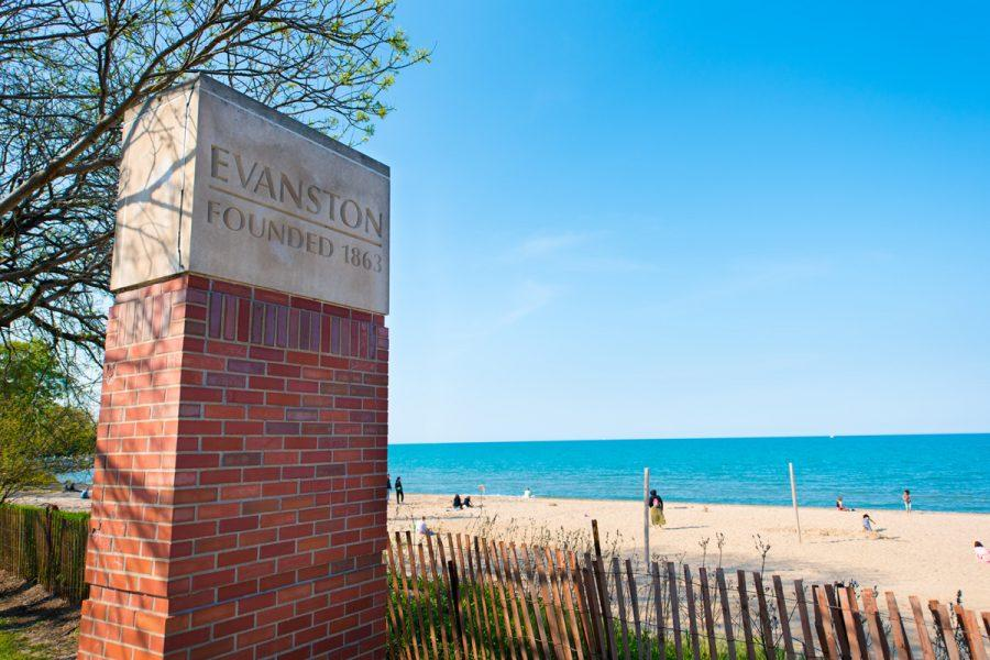 A sign overlooking Lake Michigan marks the entrance to Evanston in the 3rd Ward. The ward is close to Chicago's Rogers Park neighborhood and allows residents to commute quickly to Chicago via its Main Street Metra and CTA stations.