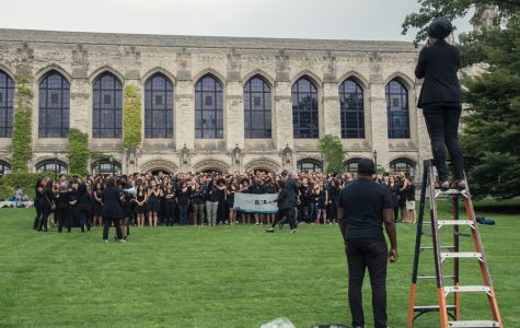 Kellogg students, faculty, administrators gather for group photo, discussion on race
