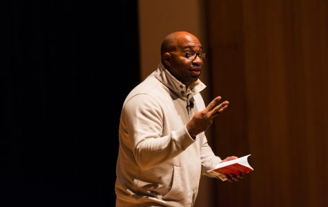 Newbery medal winner Kwame Alexander speaks on power of poetry at ETHS