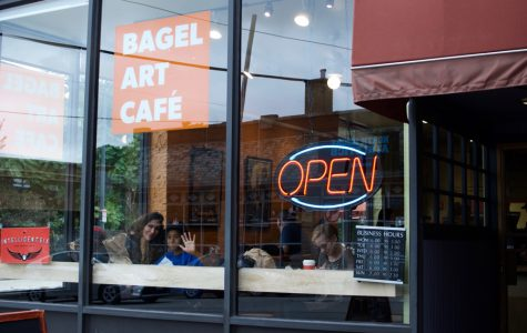 Bagel Art Cafe dishes out more than 1,000 free bagels