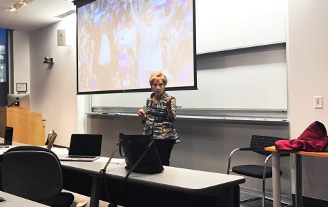U.S. Rep. Jan Schakowsky (D-Ill.) speaks to students about the effect of voting for a third party candidate in the upcoming presidential election. She urged students and faculty to support Hillary Clinton by continuing frequent phone banking and making a personal impact on undecided voters.