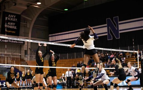 Volleyball: Iowa clobbers Northwestern as Wildcats lose fifth straight