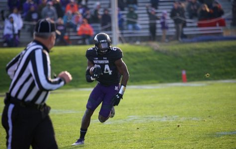 Football: Timely turnovers flip momentum in Northwestern's favor against Illinois