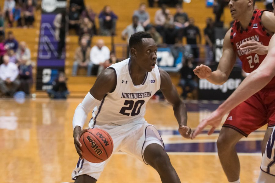 Scottie+Lindsey+takes+a+defender+off+the+dribble.+The+junior+guard+scored+13+of+his+16+points+in+the+first+half%2C+helping+Northwestern+to+a+strong+start+in+its+win+over+No.+22+Texas.