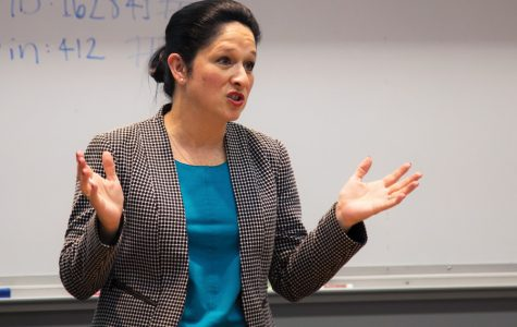 Illinois comptroller nominee Susana Mendoza speaks to College Democrats