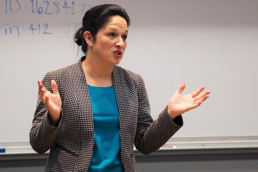 Illinois Comptroller nominee Susana Mendoza speaks at event held by College Democrats on Tuesday. During the talk, Mendoza criticized her opponent Leslie Munger and Gov. Bruce Rauner.