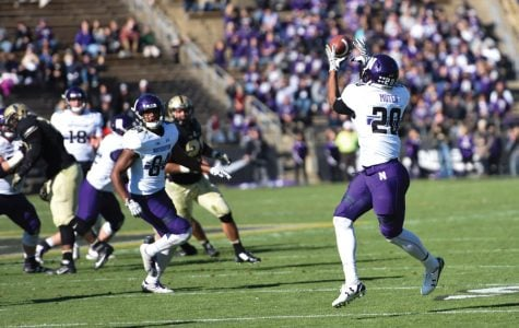 Football: Undaunted by great predecessors, Moten's speed creates his own niche
