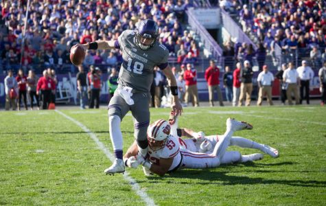 Football: Three-play meltdown kills Northwestern's comeback hopes