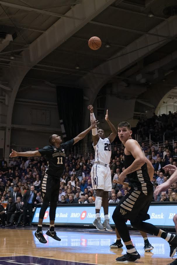 Scottie Lindsey attempts a jump shot. The junior followed up a career night against Penn State with a quiet performance against Michigan State.