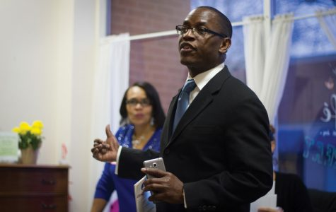 (Christian Surtz /The Daily Northwestern) Mayoral candidate Gary Gaspard formally kicks off his campaign at Curts Cafe, 2922 Central St., on Sunday. Gaspard pledged to pursue a local income tax for high-level incomes at the event.