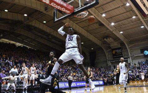 Men's Basketball: Northwestern erupts in blowout win over Iowa