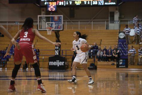 Women's Basketball: Wildcats drop below .500 in Big Ten play after loss to Iowa