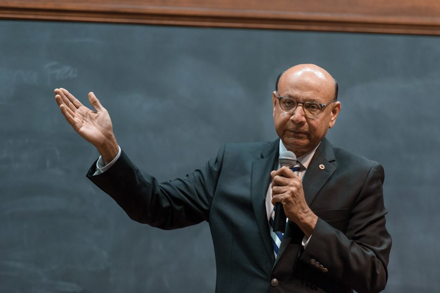 Khizr+Khan+speaks+in+front+of+Northwestern+students.+Khan+was+a+part+of+a+speaker+series+held+by+the+Muslim-cultural+Students+Association+for+Discover+Islam+Week+2017.+