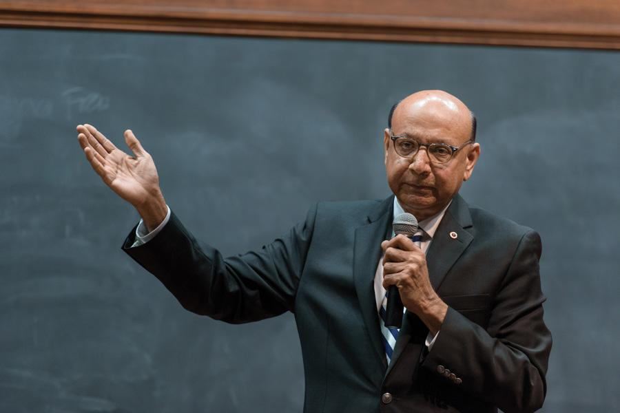Khizr Khan speaks in front of Northwestern students. Khan was a part of a speaker series held by the Muslim-cultural Students Association for Discover Islam Week 2017.