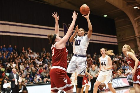Women's Basketball: Northwestern comfortably handles Illinois on Senior Day to halt four-game skid
