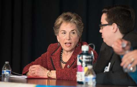 Schakowsky, activists encourage political engagement at community event