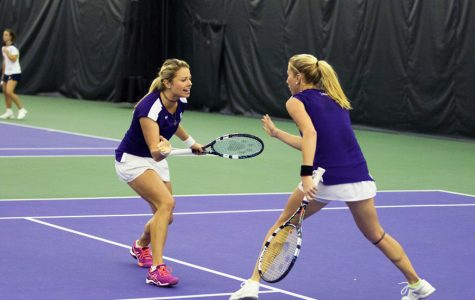 Women's Tennis: Northwestern splits weekend contests, opens conference play with win