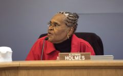 Holmes apologizes after using city email for candidate endorsement