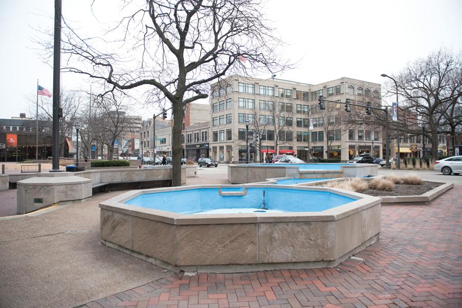 The Fountain Square, located at the intersection of Sherman Avenue, Orrington Avenue and Davis Street. Next week, the city will begin a major renovation project to improve the Fountain Square area.