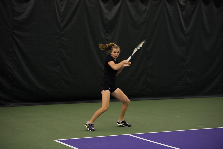 Erin+Larner+hits+a+forehand.+The+junior+will+look+to+lift+Northwestern+over+a+pair+of+ranked+opponents+this+weekend.