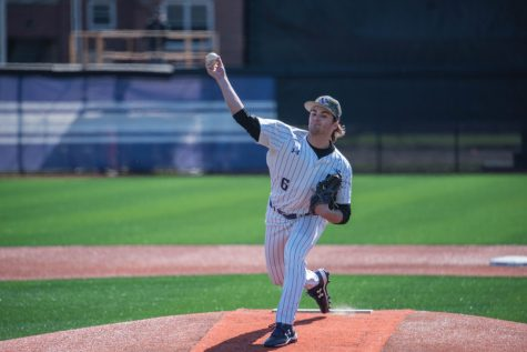 Baseball: Wildcats seek first conference win in weekend series against Iowa