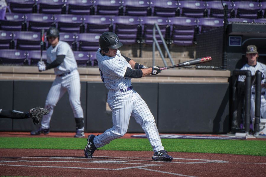 Joe+Hoscheit+takes+a+swing.+The+senior+outfielder+had+a+good+weekend%2C+but+the+Wildcats+dropped+two+of+three+to+Illinois.