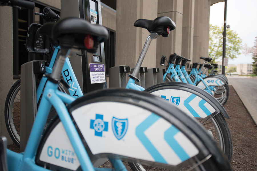 Divvy+bikes+parked+at+the+Northwestern+University+Library+station.+As+of+March+2017%2C+13%2C166+bike+trips+have+been+started+from+Evanston+since+the+installation+of+the+original+10+locations+in+July%2C+Evanston%E2%80%99s+transportation+and+mobility+coordinator+Katie+Knapp+said.