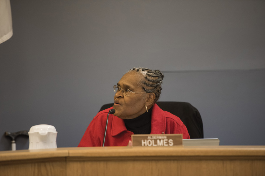 Ald. Delores Holmes (5th) at a City Council meeting. Holmes will be retiring — for the second time — next month, after serving as alderman for three terms.