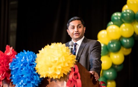 Gubernatorial candidate Ameya Pawar discusses income tax, criminal justice reform at local event