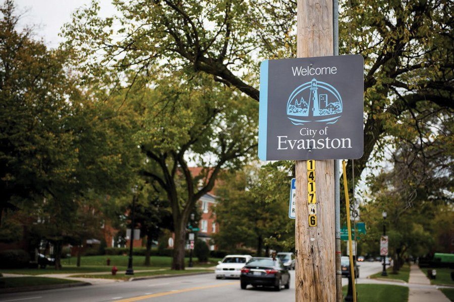 "A sign welcomes drivers to Evanston at the southern end of the city. Officials unveiled a new ""welcoming city"" webpage at a Refugee Task Force meeting on Thursday."