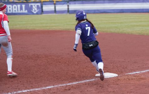 Softball: Northwestern swept by Nebraska in Big Ten matchup