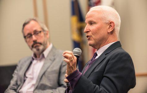 Schapiro discusses student debt at Evanston Public Library