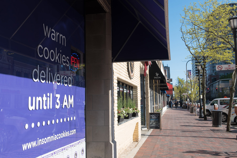 Insomnia+Cookies%2C+1725+Sherman+Ave.+The+bakery+opened+in+Evanston+on+Friday+and+will+deliver+cookies+within+a+one+mile+radius.