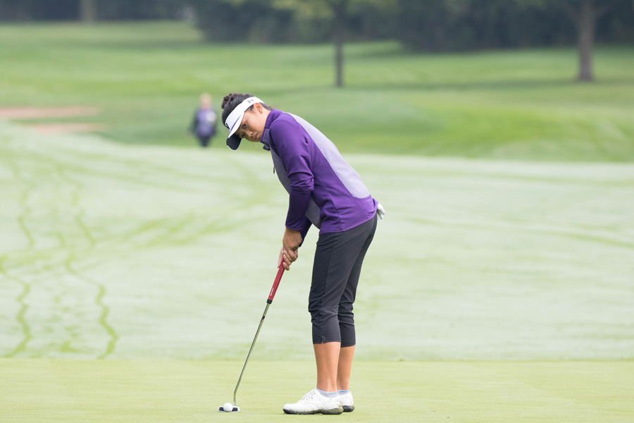 Stephanie+Lau+prepares+for+her+putt.+The+sophomore+and+the+Wildcats+begin+the+National+Championships+on+Friday.