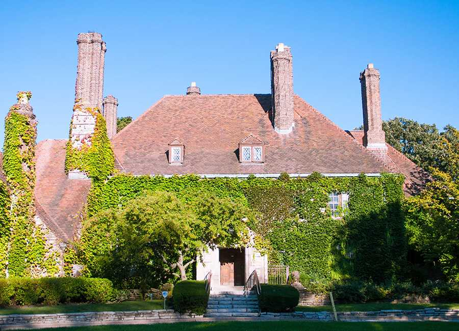 The Harley Clarke Mansion, located on Sheridan Road, has been vacant since 2015. Aldermen on Monday declined to accept a proposal by Evanston Lakehouse & Gardens to take over the mansion.