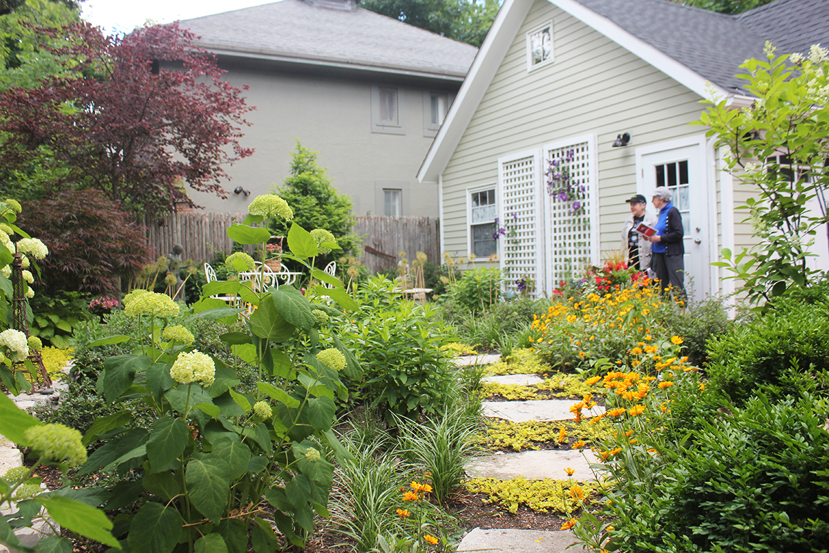 Captured: 28th annual Evanston Garden Walk