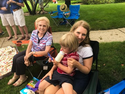 Mother-daughter duos enjoy Fourth of July parade theme