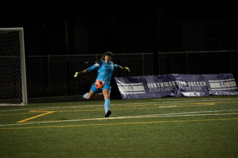Women's Soccer: Northwestern opens Big Ten title defense with shutout win