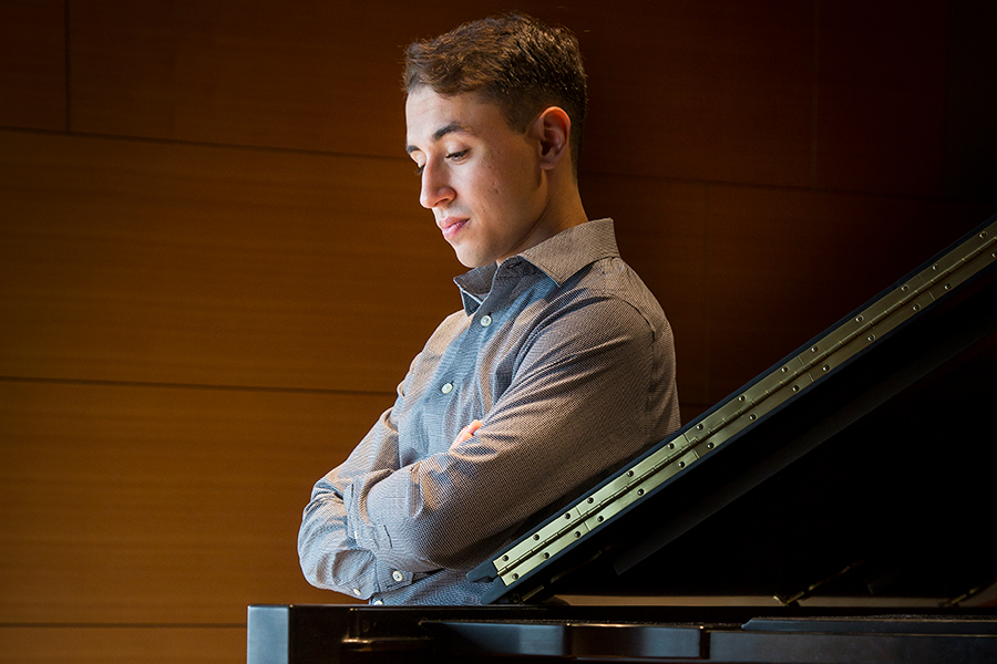 Bienen graduate lands role as associate member of Chicago Symphony Chorus