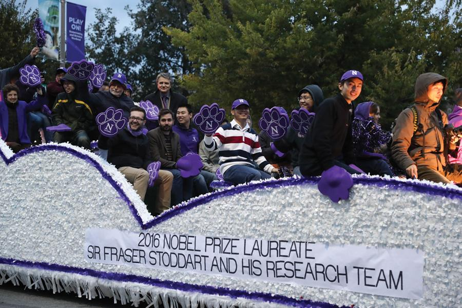 A+float+heads+down+Sheridan+Road+at+the+2016+Homecoming+Parade.+This+year%2C+the+parade+was+canceled+due+to+road+construction.+