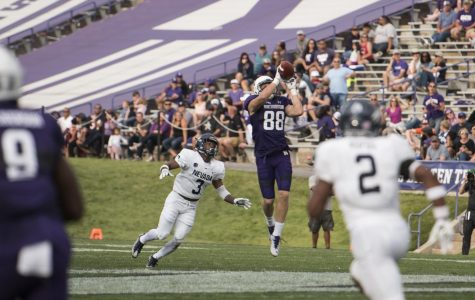 Football: Northwestern's passing attack finds traction without Carr