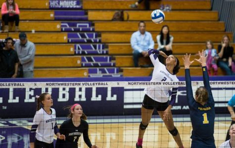 Volleyball: Freshman-senior outside duo impress at Duke Invitational