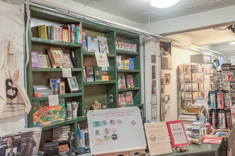 Bookends+%26+Beginnings%2C+1712+Sherman+Ave.+The+Evanston+book+store+collaborated+with+Chicago+Books+to+Women+in+Prison%2C+a+nonprofit%2C+to+provide+books+to+women+inmates.%0A
