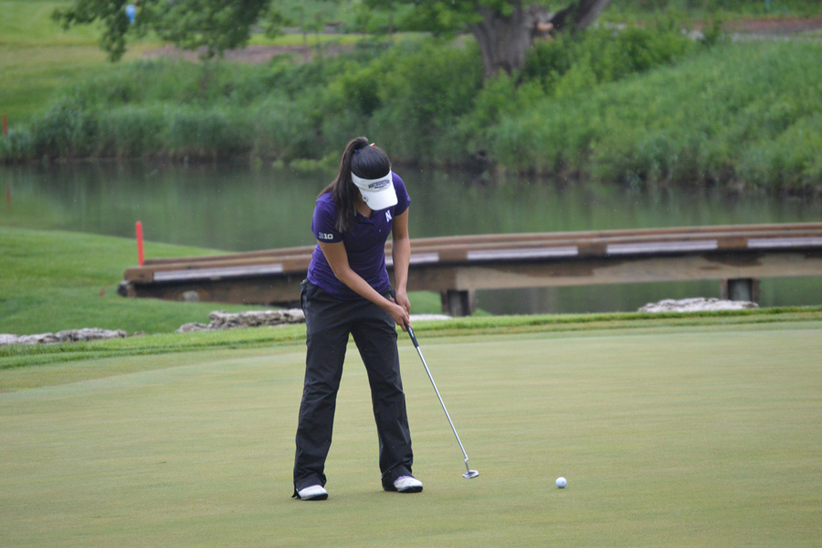 Hannah Kim putts. The senior led the Wildcats to a third place finish at the Stanford Intercollegiate.