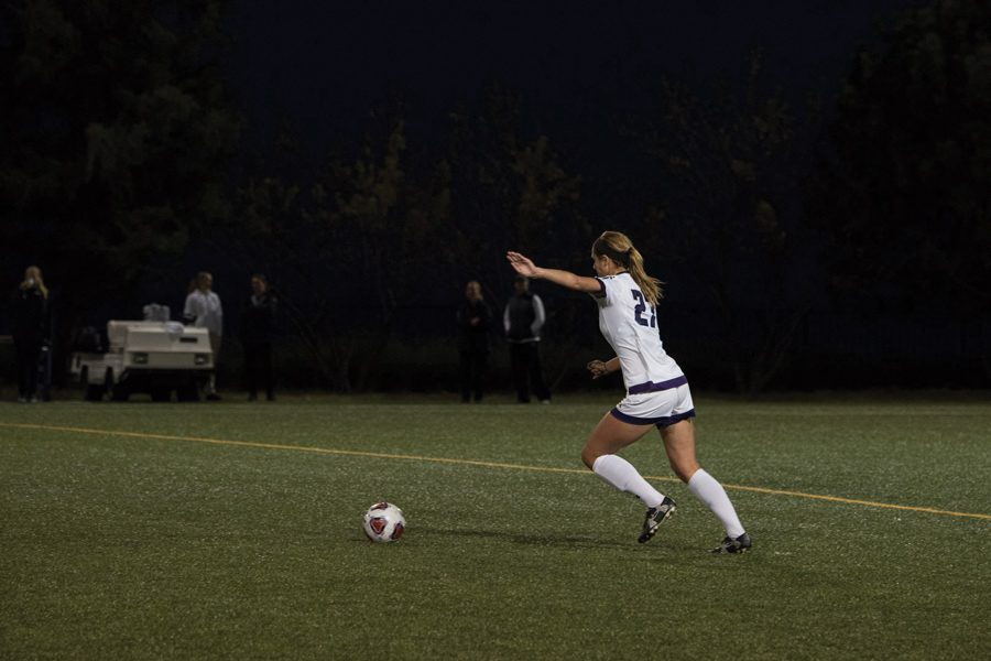 Kayla+Sharples+kicks+the+ball.+The+junior+defender+assisted+on+Northwestern%E2%80%99s+only+goal+in+its+1-0+win+over+Nebraska+on+Saturday.+